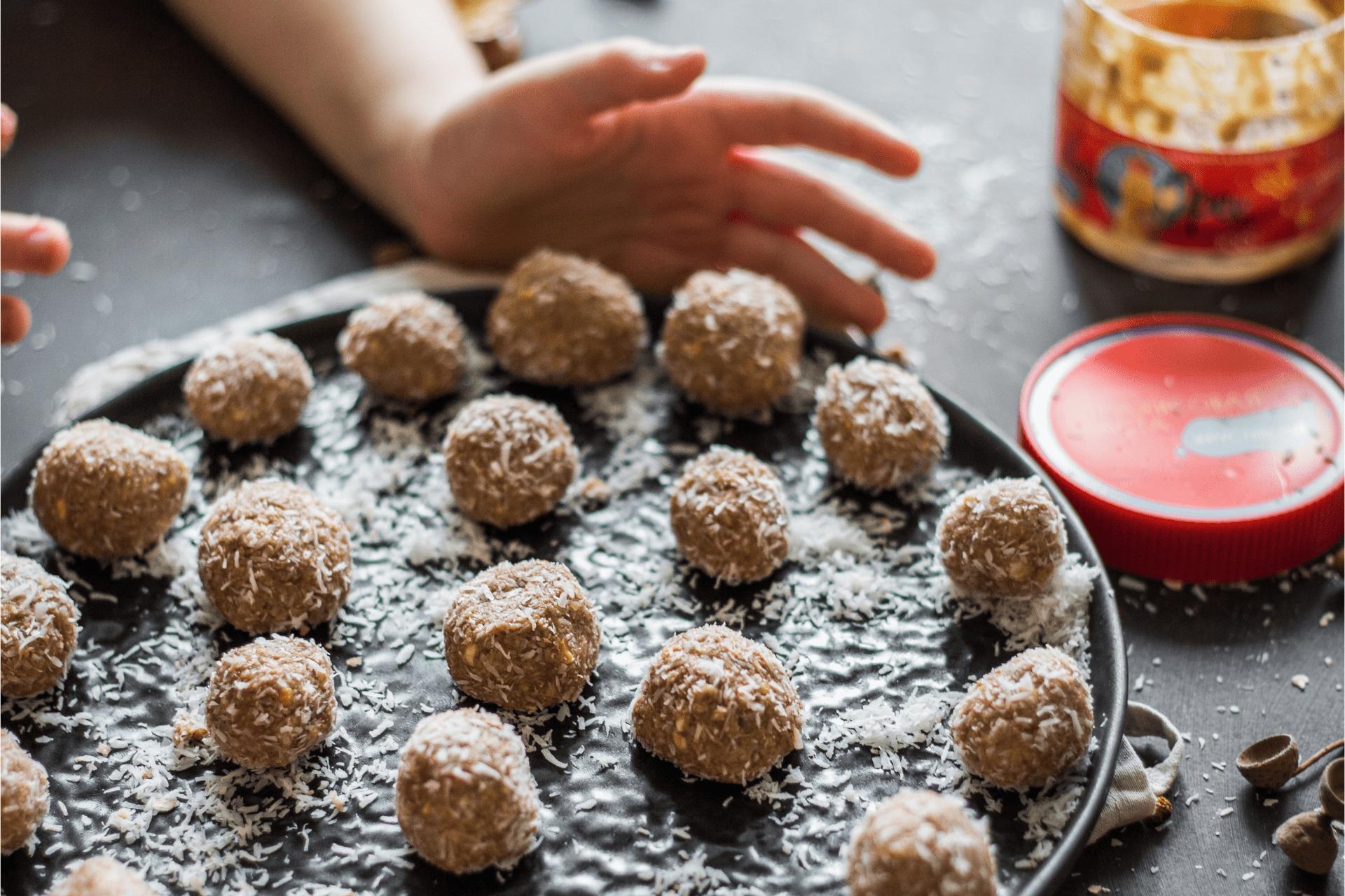 Десертные шарики с арахисовой пастой